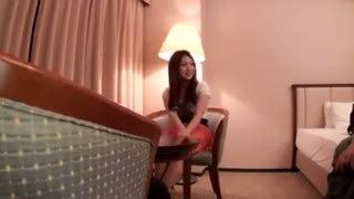 ナースコスの巨乳美女とホテルで3Pハメ撮り!